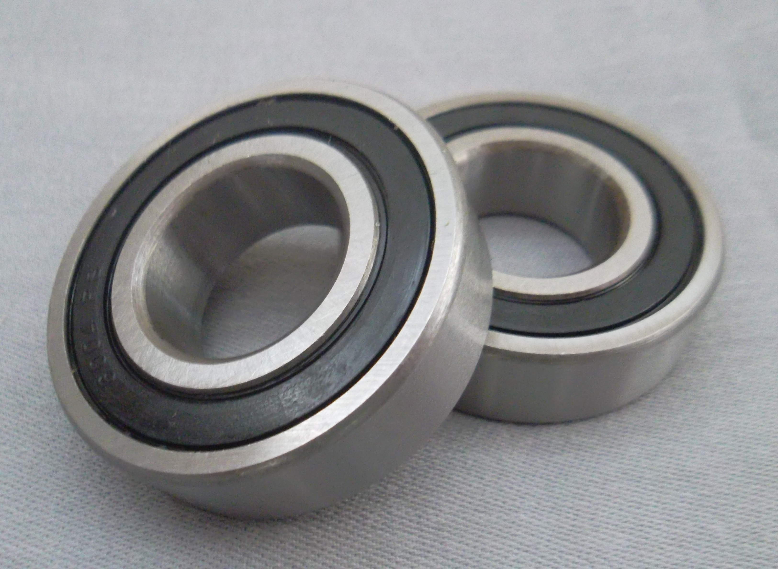 Rubber Sealed Deep Groove Ball Bearings